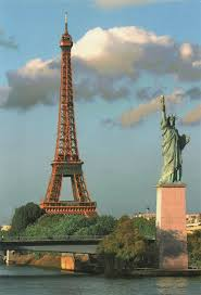 dining with eiffel tower view. most cruises pass alongside the eiffel tower dining with view e