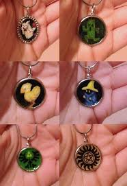 multiple pendants make a cameo in under 60 minutes using acrylic paint clear