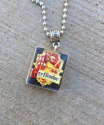 harry potter gryffindor house crest charm necklace