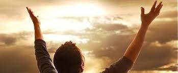 Resultado de imagen para gif adorando a Dios
