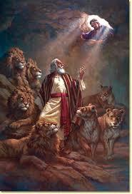 Resultado de imagen de daniel en el foso de los leones imagenes