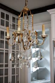 if it weren t for spell check i wouldn t even be able to write chandelier here because i have no idea how to spell it