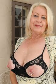 91 best images about Hot Mature on Pinterest Aunt Sexy poses.