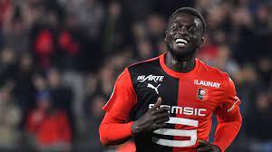 Beşiktaş'ın Rennes'ten ayrılmaya hazırlanan M'Baye Niang'ı transfer etmek  istiyor