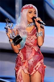 Мясное платье Леди Гаги — Википедия