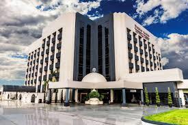 En la universidad de tijuana, contamos con diferentes licenciaturas y postgrados para ti. Hotel Pueblo Amigo Plaza Casino In Tijuana Expedia