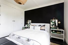 It blends well with any style of décor, from contemporary to traditional. Black Accent Wall Dramatic Ideas For Your Living Space Run To Radiance