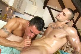 Daily gay pics and vids