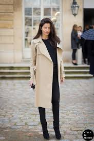 who what wear blog 3 takes on the trench street style barbara martelo by style du monde 3 jpg