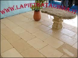 Pavimenti Per Interni Rustici : Pavimento per esterno la pietra taurina pavimenti esterni in