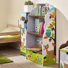 kids bookcase can help teach your kids to tidy up things