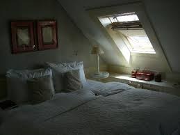 Hotel De Tuilerieen: Our dormer bedroom