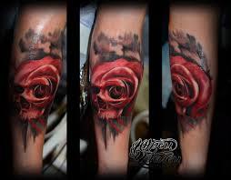 татуировка череп из роза череп роза реализм цветной Tattoos