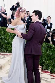 Hailey Baldwin & Shawn Mendes Aren't Dating, But She Still Thinks He's