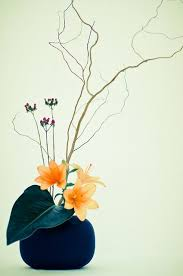 pictures of ikebana japanese flower arrangement के लिए चित्र परिणाम