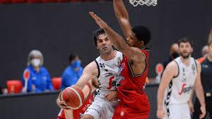 Basket, finale scudetto: la Virtus Bologna sorprende Milano e vince gara 1  - Sport - Basket - quotidiano.net