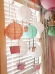How to Create Hot Air Balloons From Paper Lanterns