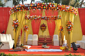 Indian Wedding U2013 Outdoor Walkway At Wedding House Decorated Using Indian Wedding Decor For Home