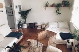 decor for studio apartments best 25 studio apartment living ideas on pinterest studio