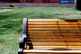 File:Park bench WPC.jpg - Wikimedia Commons