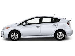AutomotiveTimes.com | 2014 Toyota Prius Review