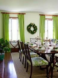 37 amazing dining room décor ideas 37 amazing dining room décor with green window curtain and wall garland and wooden