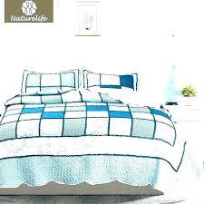 coverlet vs duvet coverlet vs quilt or full size of white quilted queen bedspread patchwork duvet coverlet vs duvet