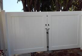 Murrieta CA Wood Glass Aluminum Vinyl Fencing Contractor