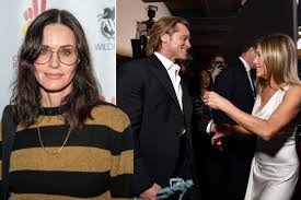 Courteney Cox likes posts on Jennifer Aniston's reunion with ...