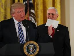 president in oval office. \u0027We Won\u0027t Tell The Press What\u0027s In That Letter\u0027: Trump Holds Up Letter Obama Left Him Oval Office - Business Insider President