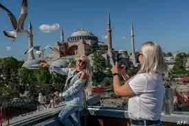 """فيديو """"تمتع أنا مطعّم"""" يثير ضجة في تركيا بعد """"الفضيحة"""""""