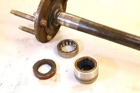 How To Repair Axle Bearings On GM 10-Bolt Rearends - YouTube