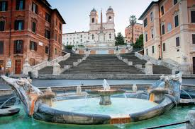 Die spanische treppe (italienisch scalinata di trinità dei monti, der deutsche name ist von der unterhalb gelegenen piazza di spagna abgeleitet) in rom ist eine der bekanntesten freitreppen der welt. Bilder Spanische Treppe In Rom Italien Franks Travelbox