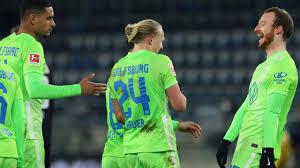 Bundesliga aufstellung gegen vfl wolfsburg. Vfl Wolfsburg Ausrutsch Gefahr Beim Gelbsucht Gipfel Gegen Hertha Bsc Bundesliga Bild De