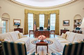 oval office decor. OvalOfficeReplica_NARA And George W Bush Presidential Center.jpg Oval Office Decor