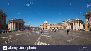 La Basilique St Pierre Et Carré Cité Du Vatican Rome Italie