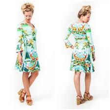 365 days of happy Tante Betsy dresses - Enjoy Tante Betsy SS2019 with Susan  - 365 days of happy Tante Betsy dresses   De jurk, Jurkjes, Wrap jurken