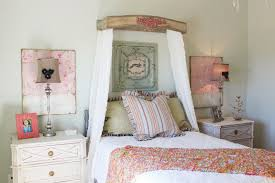 Country Shabby Chic Bedroom Ideas Curved Padded Headboard Decorative Wall  Art Pink Floral Wall Decor Nightstand