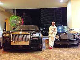 With koenigseggs, lamborghinis, ferraris, and bugattis—many of which have. Floyd Mayweather S Car Collection Packs A Massive Punch By Sam Maven Motorious Mar 2021 Medium