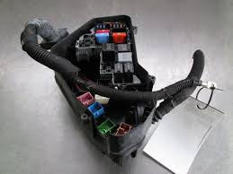 engine bay fuse box block 7l0907295j oem audi q7 typ 4l 2007 15 engine bay fuse box block 7l0907295j oem audi q7 typ 4l 2007 15