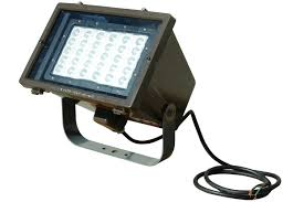 commercial manufacturing outdoor work sites and various other wet locations where portable hazardous location lighting is required