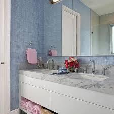lacquered bathroom walls design ideas
