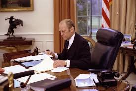 president in oval office. President Gerald R. Ford In The Oval Office. January 19, 2009. Office P