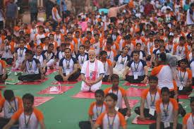 பிரம்மாண்ட யோகா நிகழ்ச்சியில் 51 ஆயிரம்பேர் பங்கேற்று சாதனை