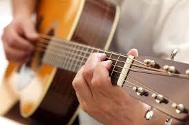 Những loại đàn guitar acoustic tốt nhất cho người mới bắt đầu