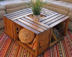 beberapa palet yang mungkin sudah tidak di gunakan lagi anda bisa  memanfaatkanya untuk di jadikan sebuah kreasi yang indah berbentuk furniture