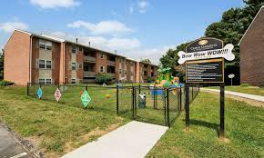 cedar gardens and towers apartments townhomes offers a dog park in windsor mill