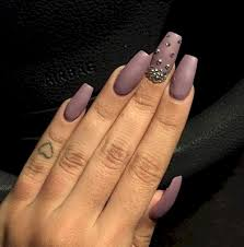 15 mauve nails with gorgeous rhinestone accents