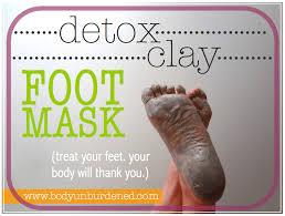 detox clay foot mask