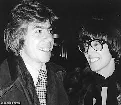 nora ephron why divorced women make better wives yes marriage carl bernstein and nora ephron out and about in the usa in 1977 before their divorce